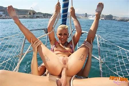 Nude Teen Surf