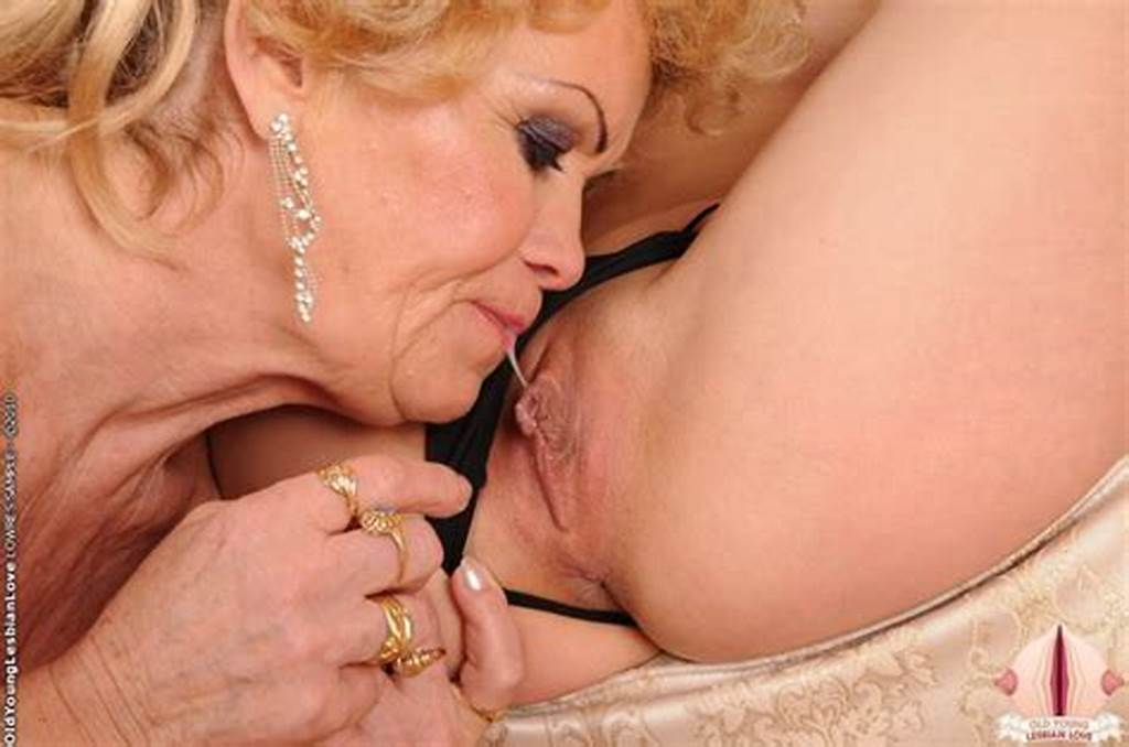 #Brunette #Teen #And #Granny #Lick #Kiss #And #Strap #On #Dildo