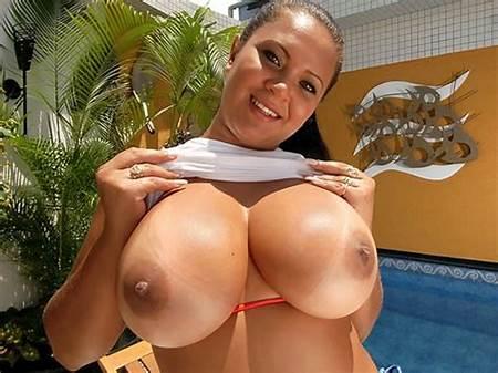 Busty Nude Babe Teen