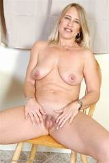 Milfs over 40 free gallerie