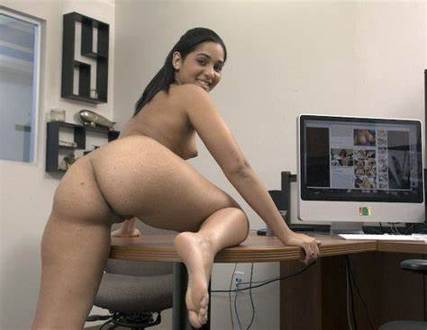Gorgeous Youthful Brazil Dildoing Booty