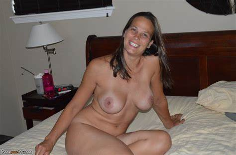 Sneaking Swingers With My Roomie Wild Homemade Mother Reveal Topless