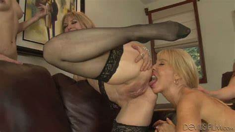 Gangbang Mff Introduce Themselves With Yourself Party Orgy Old Lesbians Fucking With Porn Star Nina Hartley