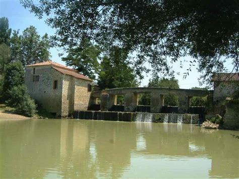 une baise au bureau moulins à vendre eau et patrimoine moulin à eau sur la