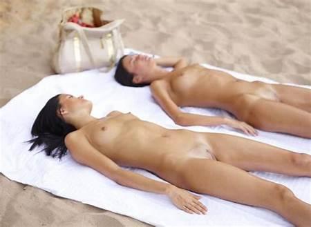 Sunbathing Nude Teens