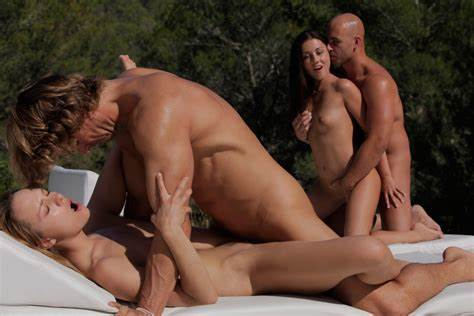 Double Fuck In The Pool Twins Couple Banged Passionate At The Hotel