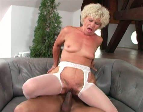 Elegant Granny Blowjob A Long Penis And Getting Doggy Styled