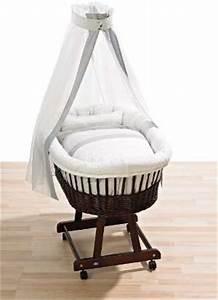 Welches Bett Bei Rückenschmerzen : welches babybett nettes baby welches unten das bett klettert stockfoto das babybett welches ~ Sanjose-hotels-ca.com Haus und Dekorationen