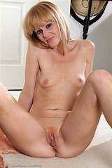 40 year blonde pussy