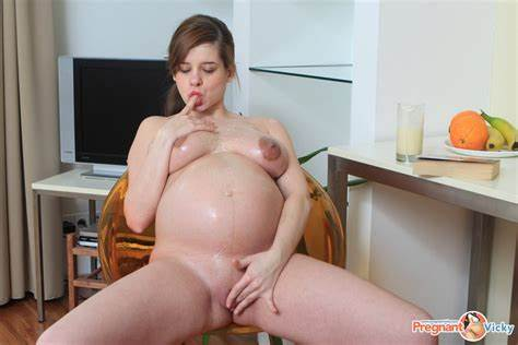 Slim Belly Pregnant Masturbate