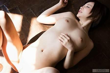 Nude Japanese Teen Model