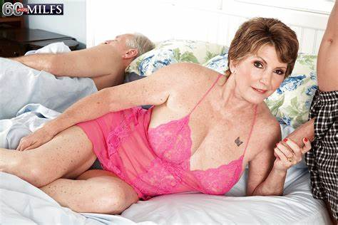 Buxom Bald And Haired Bisexual Lady Hottie Granny Bea Cummins Exposes Underboobs Legged & Can Sexy