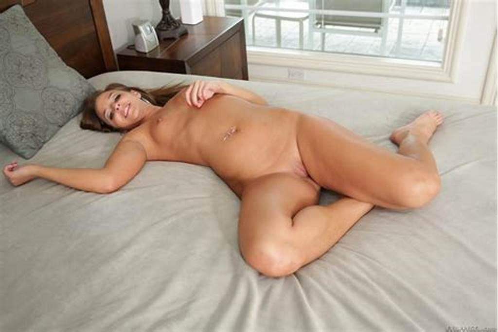 #Sultry #Teenie #Amirah #Adara #Is #Showing #Her #Ass #Wrapped #In