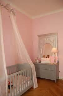 lesbienne dans une chambre 17 meilleures images à propos de lit baldaquin enfant sur