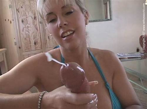 Reality Homemade Throating Caught On Camera In This #Big #Breasted #Mom #Next #Door #In #Sexy #Blue #Bikini #Gives #Pov