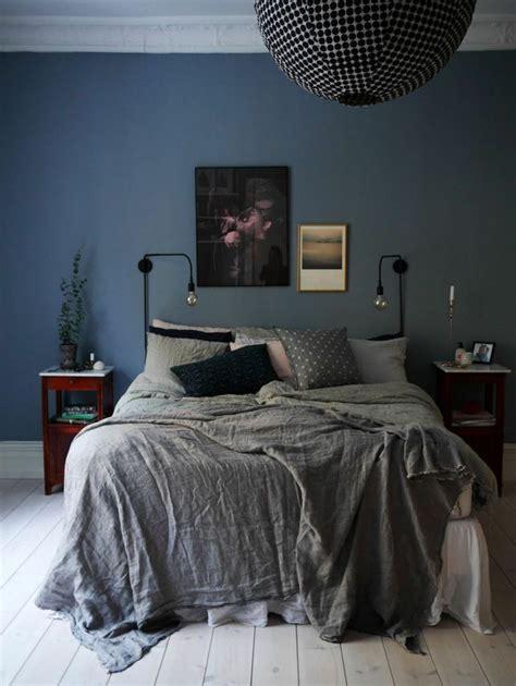 couleur de chambre adulte couleur chambre adulte idées déco avec nuances foncées