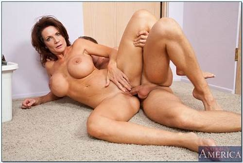 Old Pounded Completely Seduces By Her Friends