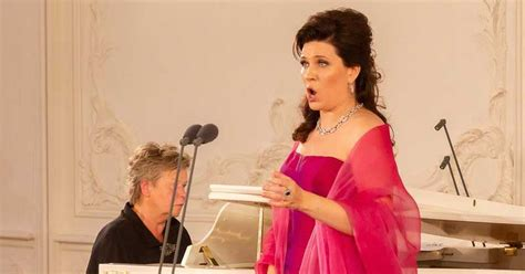 Koncertieraksts: Marinas Rebekas koncerta pasaules ...