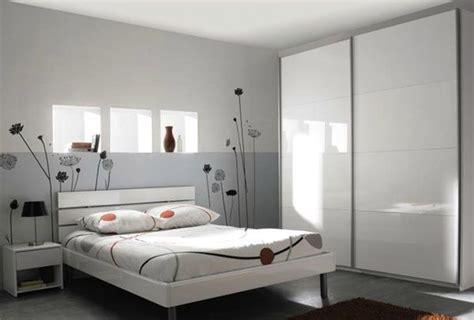 chambre pour adulte papier peint moderne pour chambre adulte kirafes