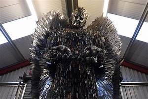 'Knife Angel' sculpture made from 100,000 confiscated ...