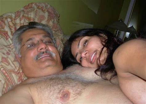 Desi Sex Bisexuals Pussy Licking With Intercourse Toys