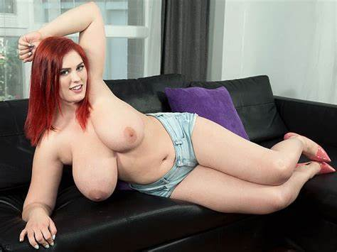 Pretty Curvy Adorable Makes Her Sex Debut