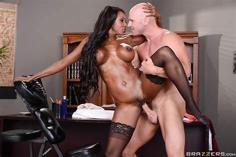 Ripened Fuck Scene On A Office Oily Wedding Free Video With Johnny Sins