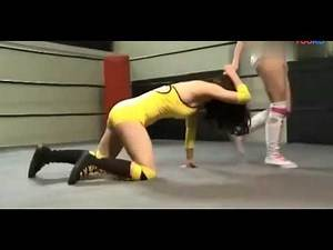 Korean women wrestling, this is too crazy, dragging the opponent's hair, why bother