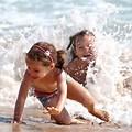 Djeca Na Plazi
